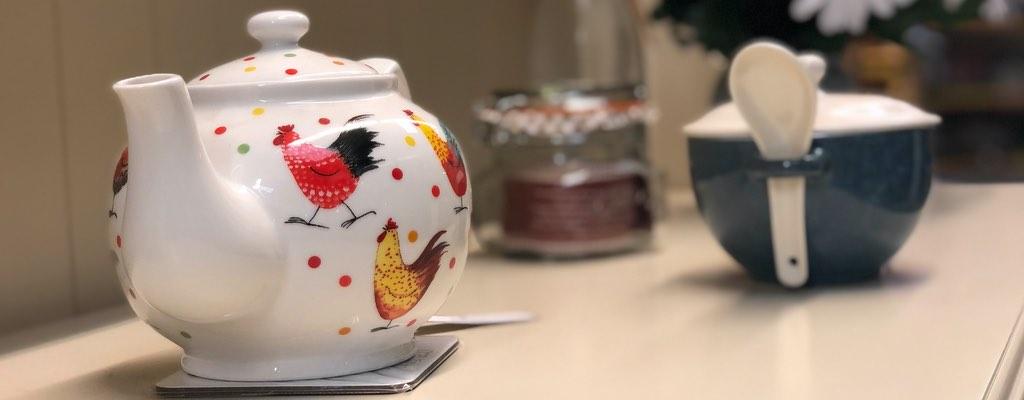 white tea pot giftware