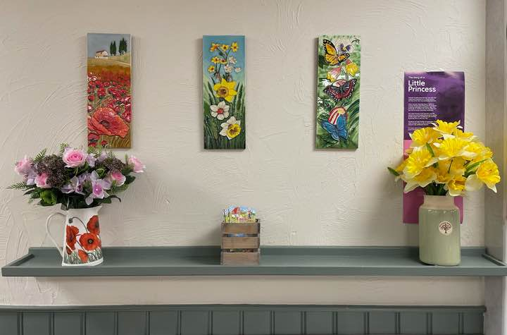 flower arrangement in coffee shop